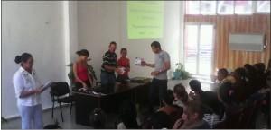 Recocimiento a estudiantes de economía Universidad de Holguín