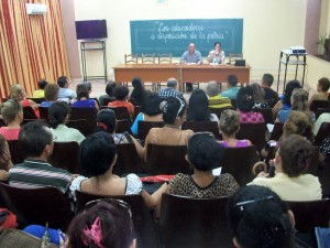 Reunión-Universidad de Holguín