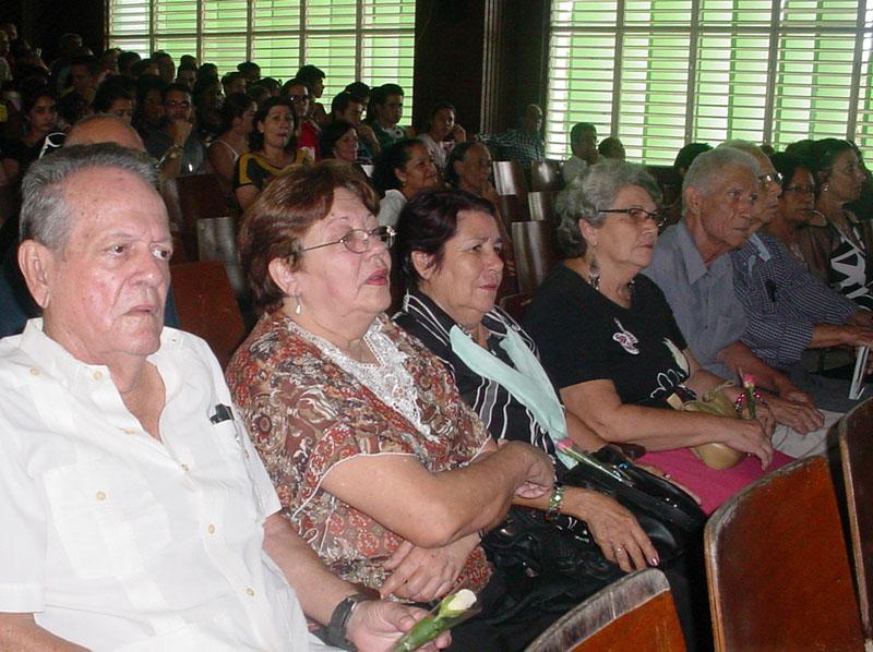 """Acto por 47 aniversario de creación de carreras pedagógicas e inicio de la educación superior en Holguín. Sede """"José de la Luz y Caballero"""", 4 de noviembre de 2015. UHO FOTO/Francisco Rojas González."""