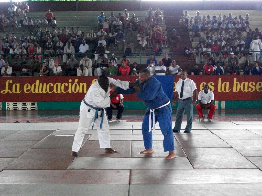 """Primera jornada de competiciones de la XIII Universiada de Judo. Ateneo Deportivo """"Fernando de Dios Buñuel"""", 20 de noviembre de 2015. UHO FOTO/Luis Ernesto Ruiz Martínez."""
