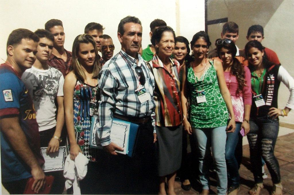 Participantes en el Taller con Asela de los Santos Tamayo, combatiente de la clandestinidad y Héroe del Trabajo de la República de Cuba.