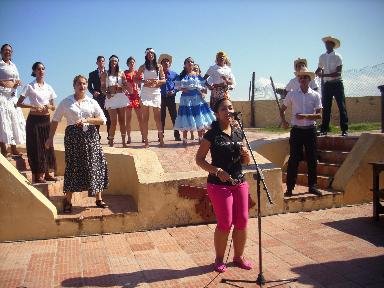 Estudiantes de cuarto año de la carrera de Turismo desarrollaron un atractivo show de animación en la Batería Fernando VII, ubicado en el municipio de Gibara, como parte del examen parcial de la asignatura Gestión de Entidades de Ocio y Recreación. Desarrollado en el municipio de Gibara, el 08 de enero de 2016-UHO/Foto: Osvaldo Batista Pérez