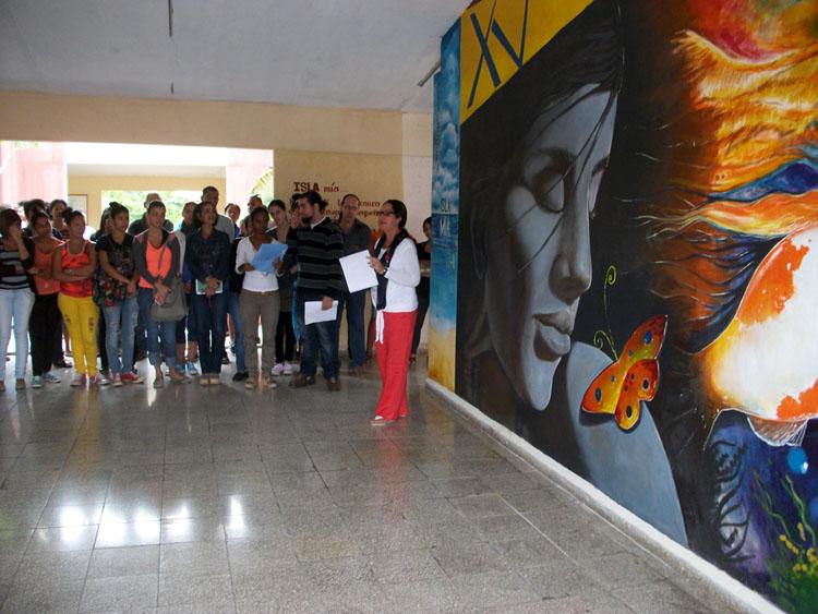 """Inauguración del Mural Galería Isla mía en una de las paredes de la Sede """"Celia Sánchez Manduley"""". Efectuada el 10 de febrero de 2016. UHO FOTO/Luis Ernesto Ruiz Martínez."""