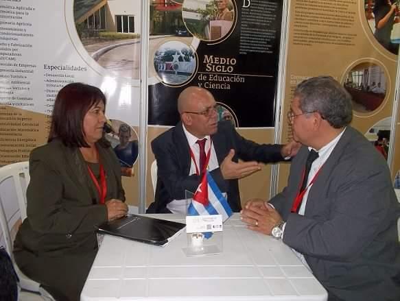 Delegados de la Universidad de Holguín durante el desarrollo del Congreso Universidad 2016. Fotos: Dirección de Comunicación.