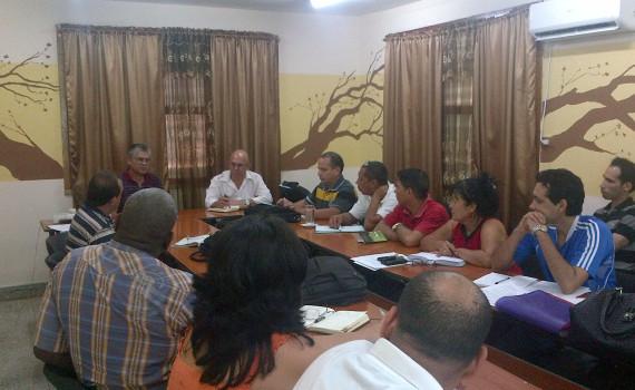 Intercambio en la sede de la Delegación Provincial de la Agricultura en Holguín, con presencia de directivos de dicha entidad y la casa de altos estudios del territorio. Desarrollado en  Delegación Provincial de la Agricultura, el 26 de abril de 2016. UHO FOTO/Yudith Rojas Tamayo