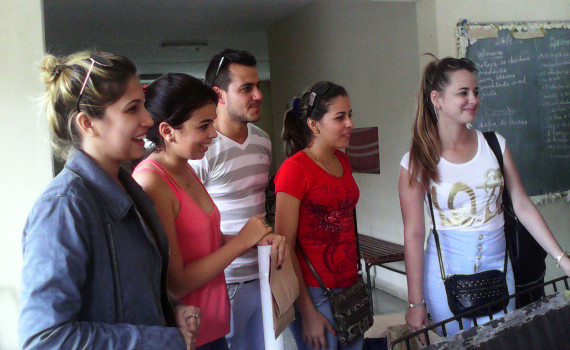Estudiantes de las provincias de Santiago de Cuba, Camagüey, Villa Clara, Pinar del Río, La Habana y del municipio holguinero de Moa participan de la décima edición de la Radio Universitaria. Desarrollado en la sede Celia Sánchez Manduley, el  26 de mayo de 2016-UHO/Foto: Yudith Rojas Tamayo