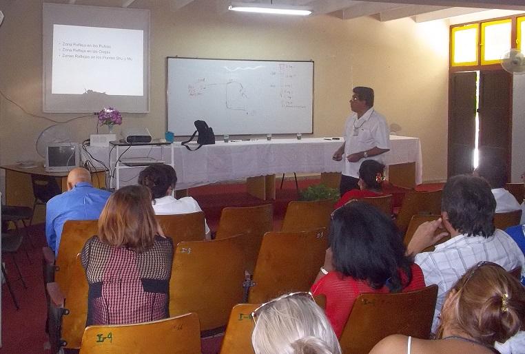 Momentos de intercambio en la sede Manuel Fajardo, mientras se realizaban eventos científicos propios de la especialidad de Cultura Física. Fotos: De archivo