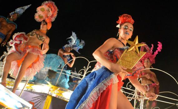 La carroza de la FEU obtuvo el Segundo lugar del Carnaval Holguín 2016, durante la clausura de la fiesta popular, en la ciudad cubana de los parques, el 21 de agosto de 2016. ACN FOTO/Juan Pablo CARRERAS.