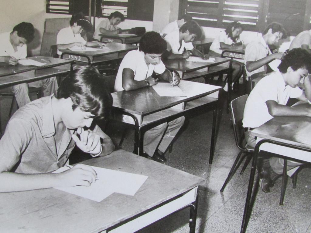 El proceso docente educativo fue el eslabón principal que permitió formar excelentes profesionales pedagógicos desde 1968. En la imagen, estudiantes de pregrado.