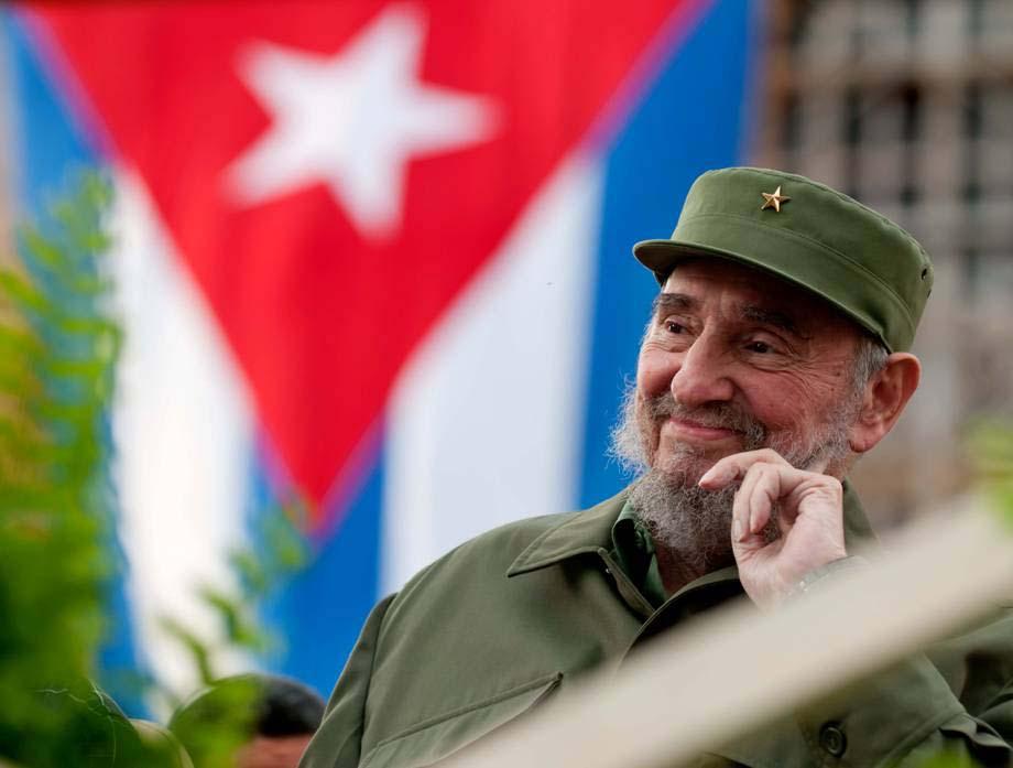 Toda una vida junto al pueblo cubano en cada victoria de la Batalla de Ideas. Imagen facilitada por el MSc. Victor Aguilera, profesor de la Universidad de Holguín.