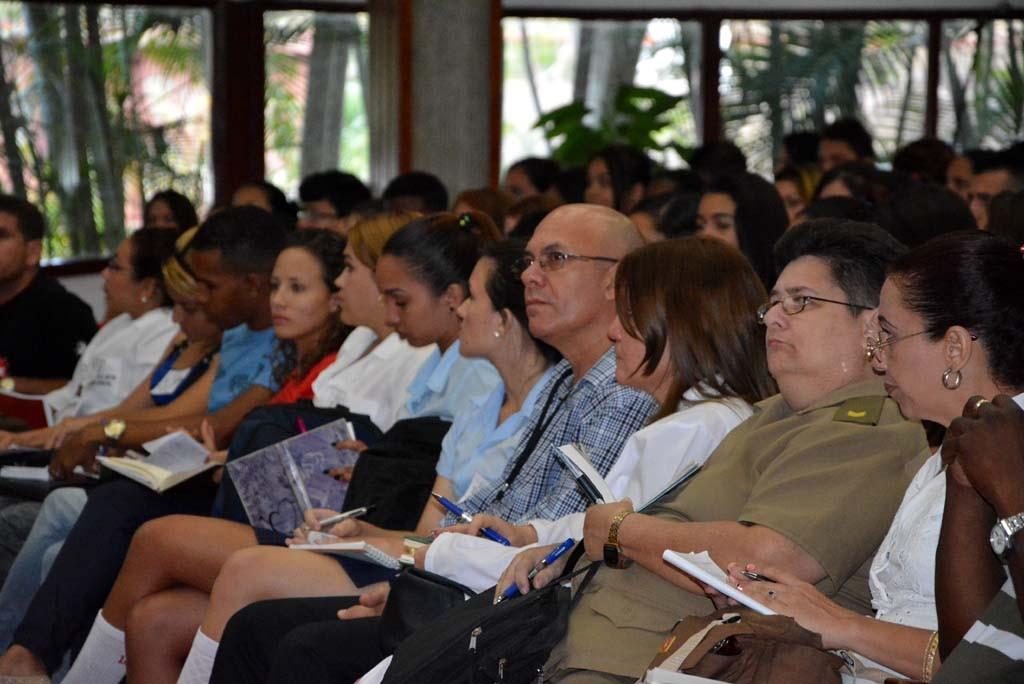 Los jóvenes estuvieron acompañados por sus líderes estudiantiles y los directivos de sus centros educacionales.