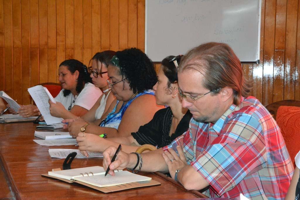 El Dr. C. Rafael Lorenzo Martín durante la Conferencia de Prensa de la Delegación del CITMA en Holguín, sobre Expociencia 2017. UHO FOTO/Luis Ernesto Ruiz Martínez.