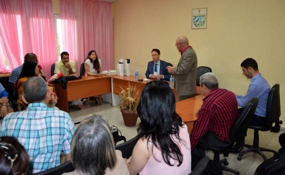 El Excmo. Sr. Patrick Van Gheel, Embajador de Bélgica en Cuba, visita la Universidad de Holguín junto a la Sra. Mónica Rojas Vidaurreta, Encargada de Cooperación y Cultura de la Embajada. Miércoles 15 de marzo de 2017. UHO FOTO/Luis Ernesto Ruiz Martínez.