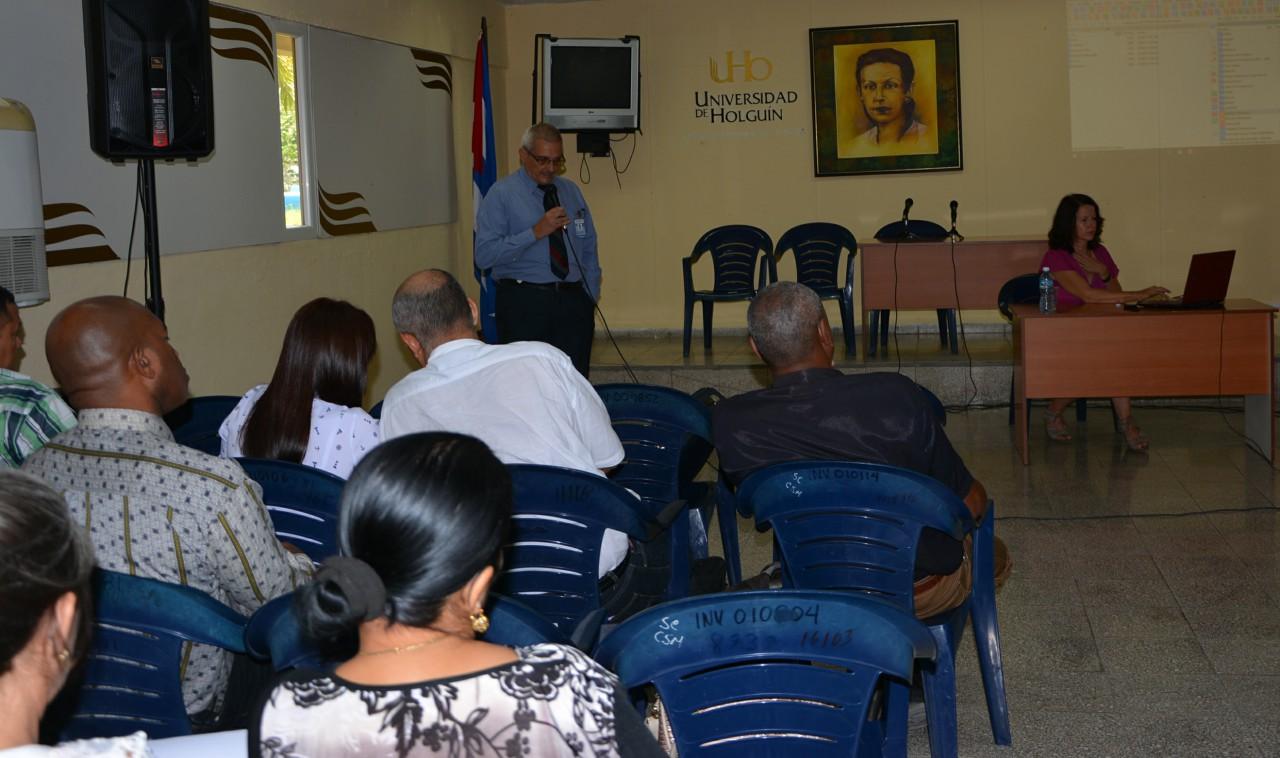 Dr. Luis Vázquez en Reunión regional de la DAAD. Foto.yperezf