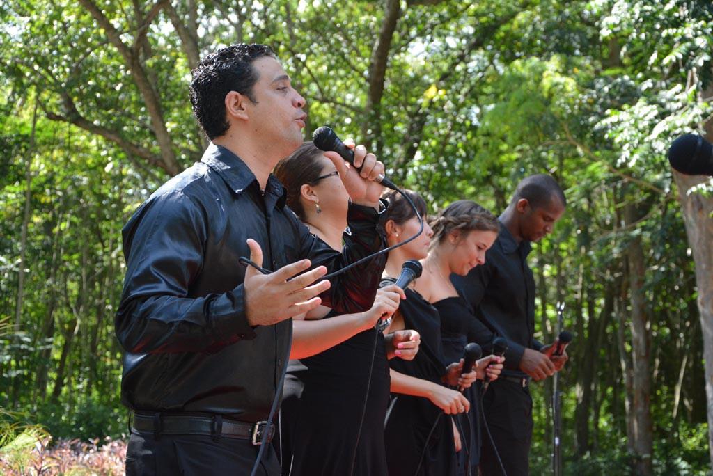 Presentación del Quinteto Feeling en el acto de inicio del curso escolar 2017-2018 en la Universidad de Holguín. Efectuado en el Monumento a Lucía Iñíguez en la Plaza de la Revolución. UHO FOTO/Luis Ernesto Ruiz Martínez.