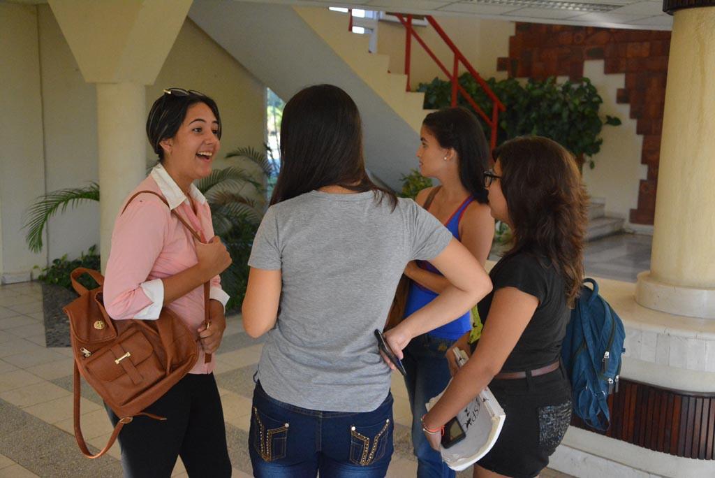 Los estudiantes regresan a la Universidad de Holguín. UHO FOTO/Luis Ernesto Ruiz Martínez-Dircom.