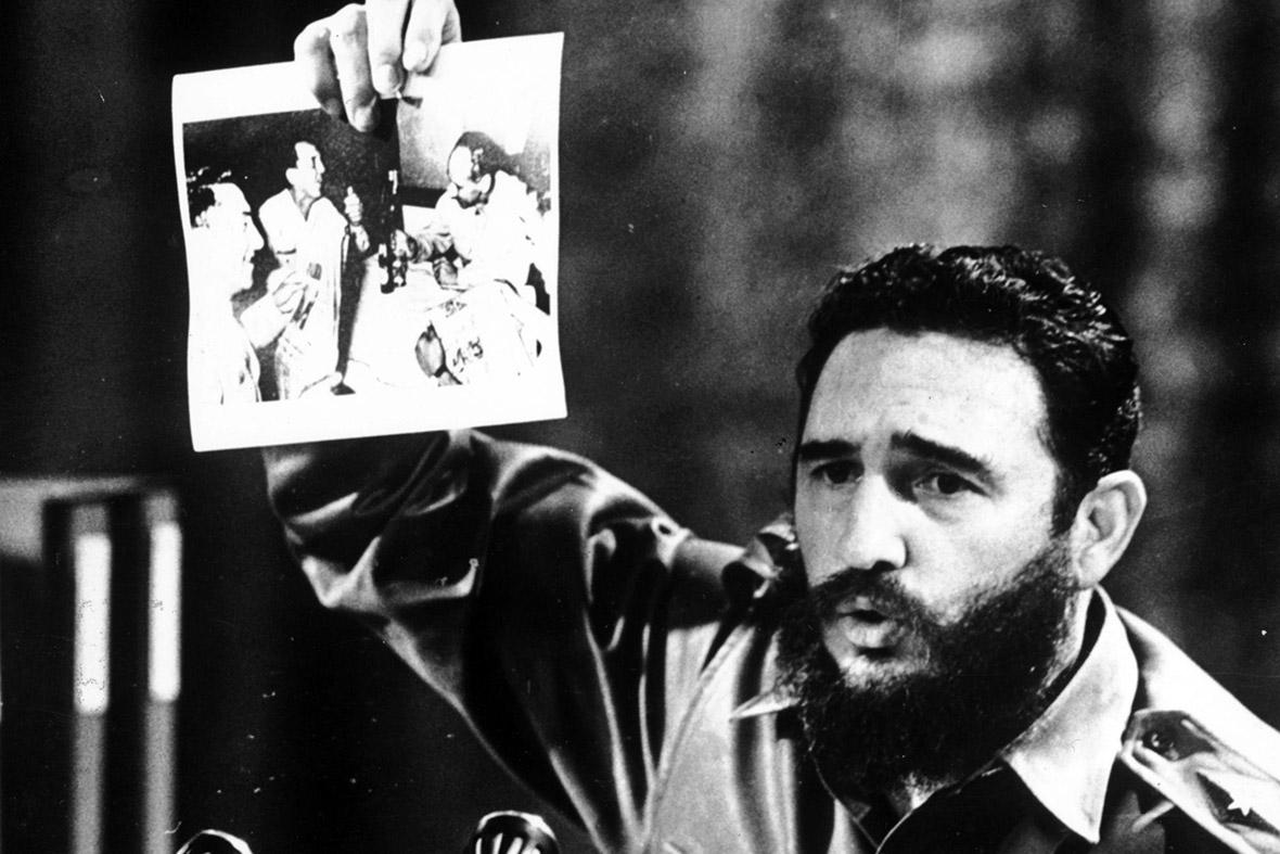 Comparecencia del Primer Ministro del Gobierno Revolucionario, Comandante en Jefe Fidel Castro Ruz para informar al pueblo de Cuba acerca del asesinato del Che en Bolivia. La Habana, 15 de octubre de 1967