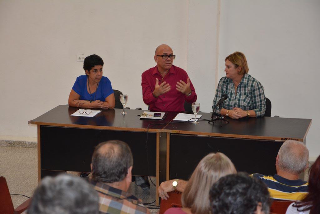 Acto de clausura del proceso de evaluación externa de la Maestría en Contabilidad Gerencial y la Especialidad de Dirección en Instituciones Educativas. UHo FOTO/Luis Ernesto Ruiz Martínez-Dircom.