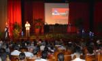 El Dr. C. Reynaldo Velázquez Zaldívar, Rector de la Universidad de Holguín, interviene en el acto de reconocimiento por el Día del Educador. Efectuado en el teatro de la Universidad de Ciencias Médicas, el 21 de diciembre de 2017. UHO FOTO/Luis Ernesto Ruiz Martínez.