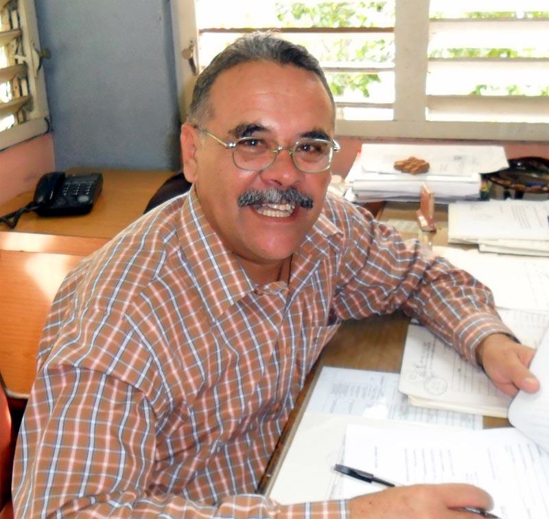 Dr. C. Jorge Alejandro Laguna Cruz, Metodólogo en la Dirección de Ciencia y Técnic