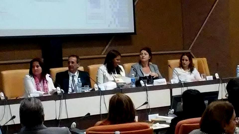 """Presentación del libro """"Sistematización de experiencias de Desarrollo Local en cuatro provincias cubanas"""" a cargo del Dr.C. Luis Orlando Aguilera. Foto: Yani Martínez."""