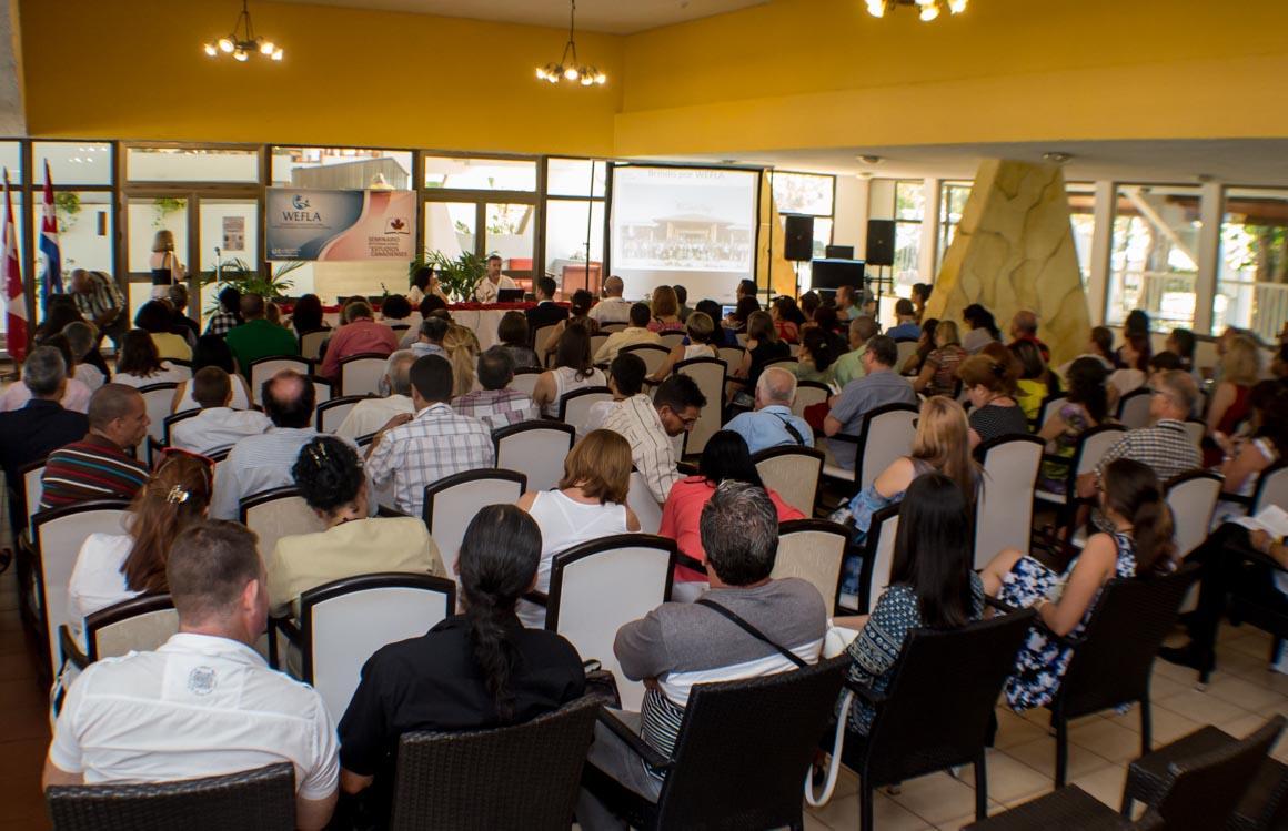 Conferencia de Vilma Páez y Jeff Tennant en la apertura de Wefla 2018, efectuada en Guardalavaca. UHo FOTO/ Torralbas.