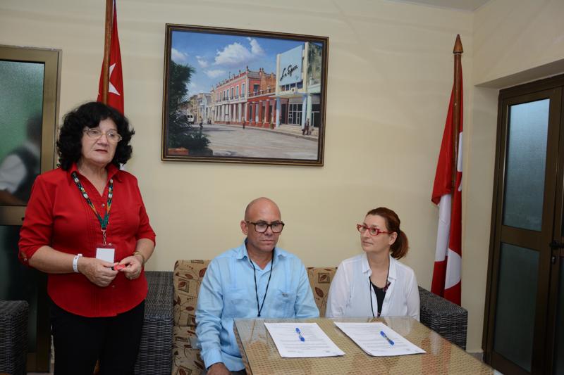 Firma del Convenio entre la Universidad de Ottawa y la Universidad de Holguín. UHo FOTO/Torralbas.