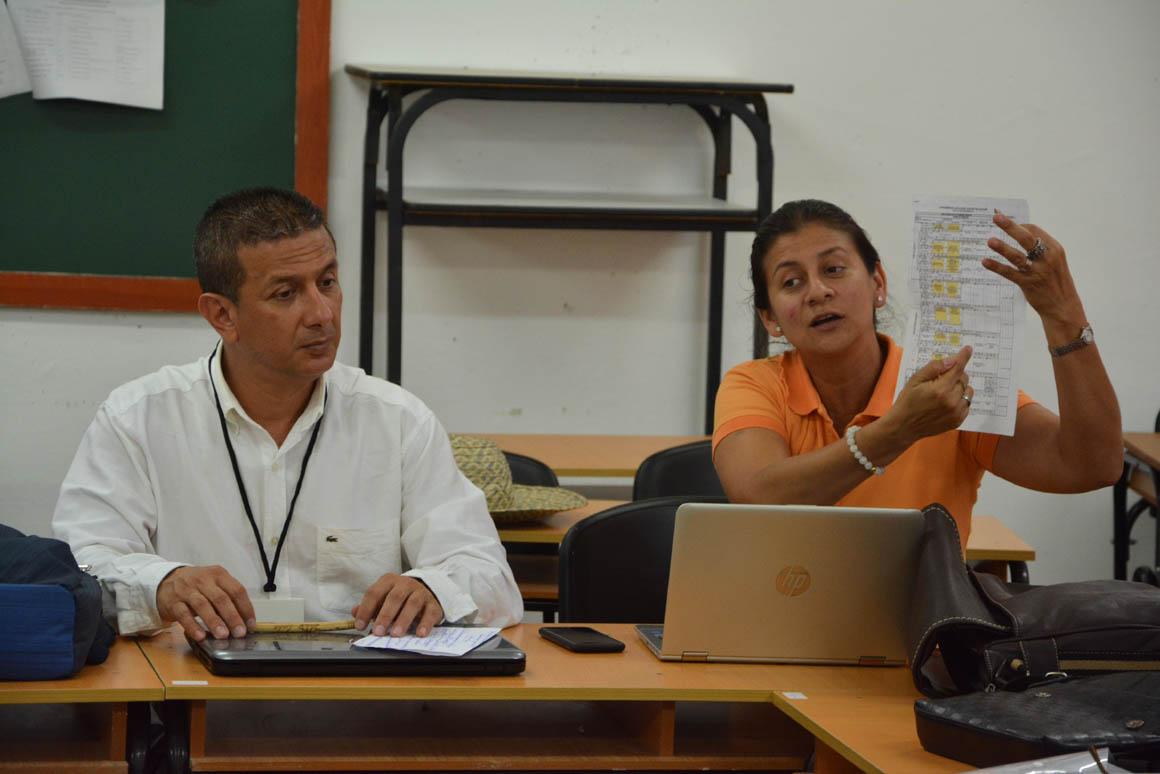 Trabajo en Comisiones del VIII Evento Nacional de Formación laboral e investigaciones educativas, organizado por la  Universidad de Holguín, que sesiona en la sede José de la Luz y Caballero  UHo FOTO/Luis Ernesto Ruiz Martínez.