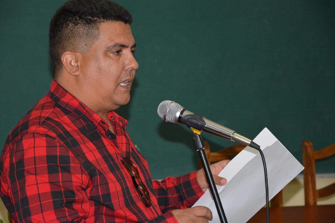 José Javier del Toro Prada habla en nombre de los graduados durante el acto de entrega de Títulos de Doctor en Ciencias, efectuado en la sede José de la Luz y Caballero de la Universidad de Holguín, el 30 de mayo de 2018. UHo FOTO/Luis Ernesto Ruiz Martínez.