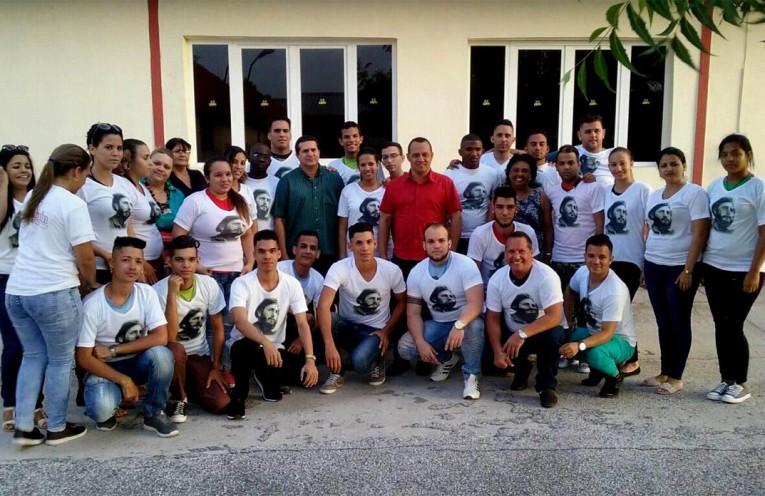 Delegados holguineros sostuvieron intercambios con máximas autoridades del Partido y el Gobierno en Holguín. Foto publicada en Facebook por Yankier Miguel Torres Mulet.