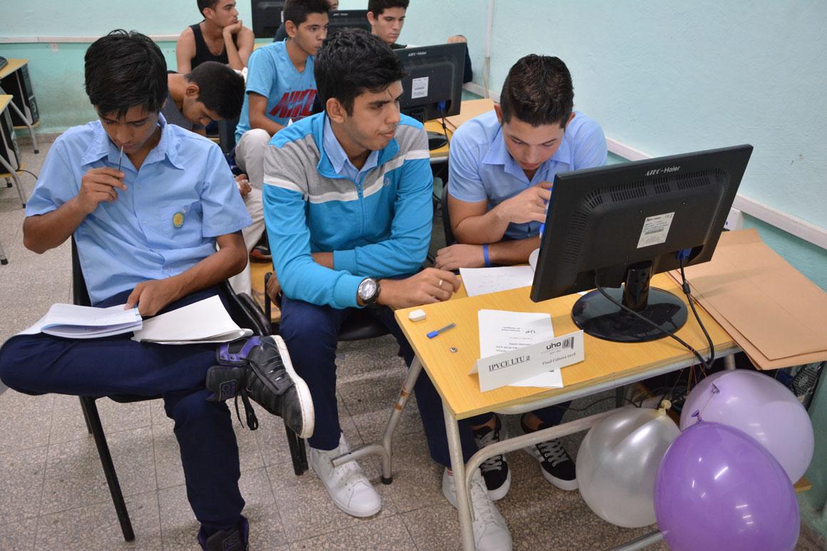 Equipo IPVCE LTU2 con buenos resultados en la Final Nacional ACM-ICPC, subsede UHo. Desarrollada el sábado 6 de octubre en la sede Oscar Lucero Moya. UHo FOTO/Luis Ernesto Ruiz Martínez.