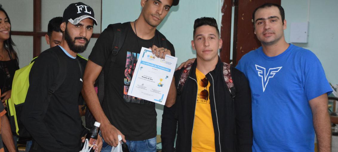 UpLikeThis, de la Universidad de Las Tunas, Premio de Oro en Final Nacional ACM-ICPC, subsede UHo. Desarrollada el sábado 6 de octubre en la sede Oscar Lucero Moya. UHo FOTO/Luis Ernesto Ruiz Martínez.