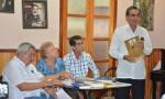 Tertulia en Casa de la amistad de Holguín. Se reconoció a José Novoa, premio José Vesconcelos