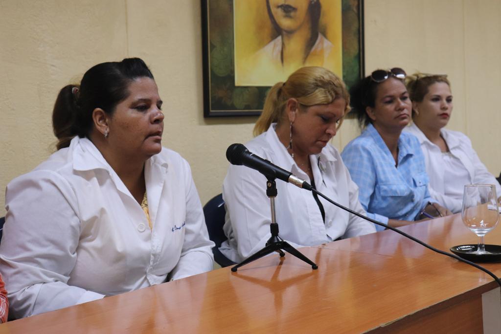 Leonor Salas García compartió sus experiencias en el municipio de Mayarí, en el tratamiento a los familiares de las víctimas. Desarrollado en la sede Celia Sánchez Manduley, el 08 de octubre de 2018-UHO/Foto: Yudith Rojas Tamayo