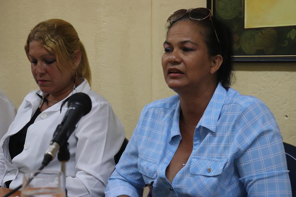 Yojani Ricardo del Pino compartió sus experiencias en el municipio de Velasco, en el tratamiento a los familiares de las víctimas, a quienes conocía de cerca. Desarrollado en la sede Celia Sánchez Manduley, el 08 de octubre de 2018-UHO/Foto: Yudith Rojas Tamayo