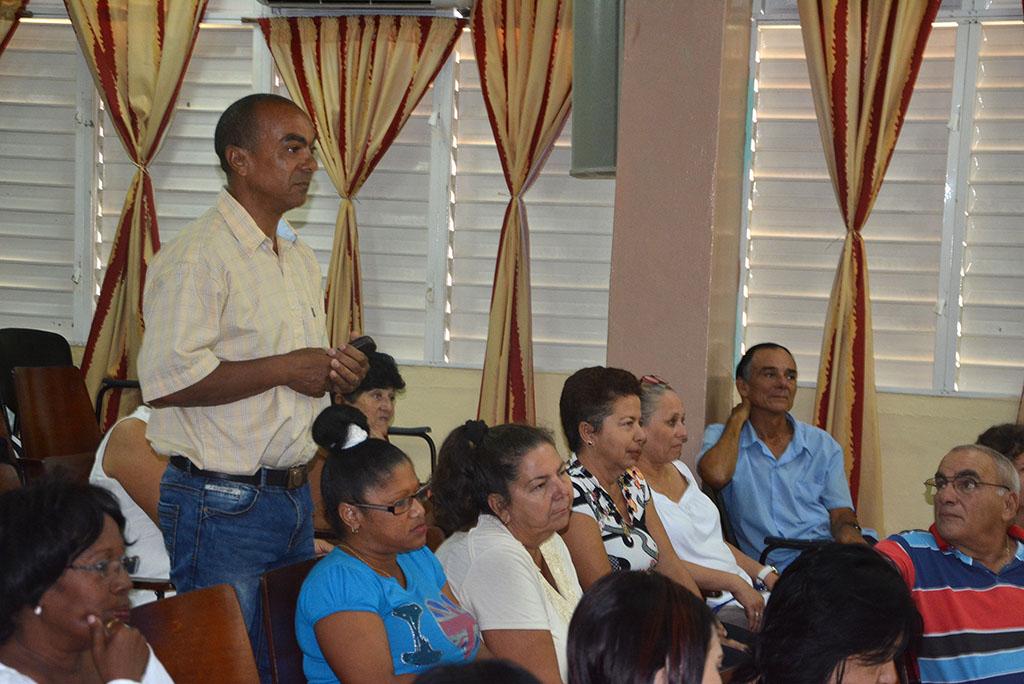 Conferencia Magistral del Maestro Guido López-Gavilán del Rosario. Presidente de Honor de la Cátedra honorífica de música cubana Faustino Oramas. UHo FOTO/Luis Ernesto Ruiz Martínez.