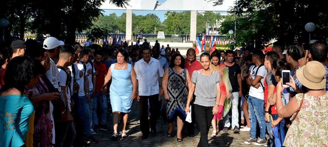 La Universidad de Holguín desarrolla el acto de inicio del curso escolar 2019-2020, en el Monumento a Lucía Iñiguez Landín, ubicado en la Plaza de la Revolución, el miércoles 4 de septiembre de 2019. Participan las máximas autoridades de la provincia, junto a estudiantes y trabajadores de la institución. UHo FOTO/Luis Ernesto Ruiz Martínez.
