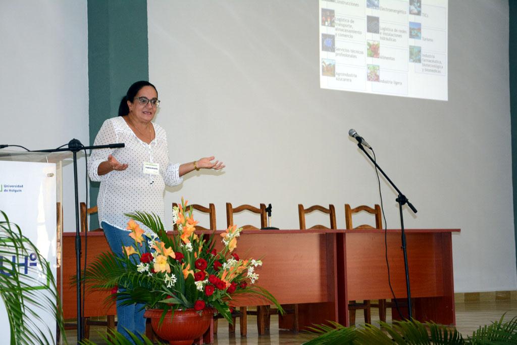 Ana de Lourdes Torralba, Directora General de la Universidad de Holguín. UHo Foto/Luis Ernesto Ruiz Martínez.