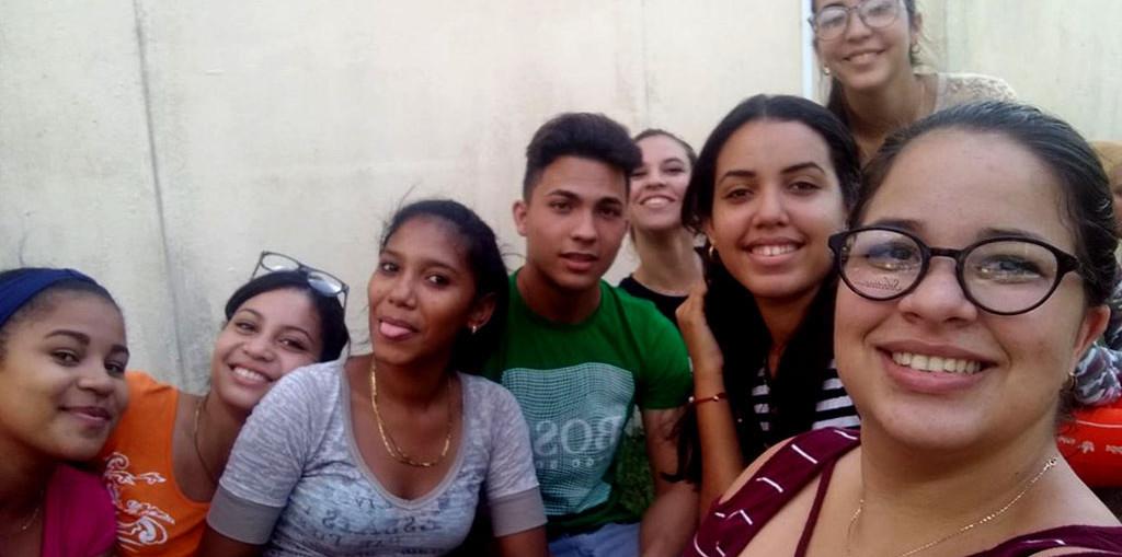 Estudiantes de periodismo de la Universidad de Holguín.