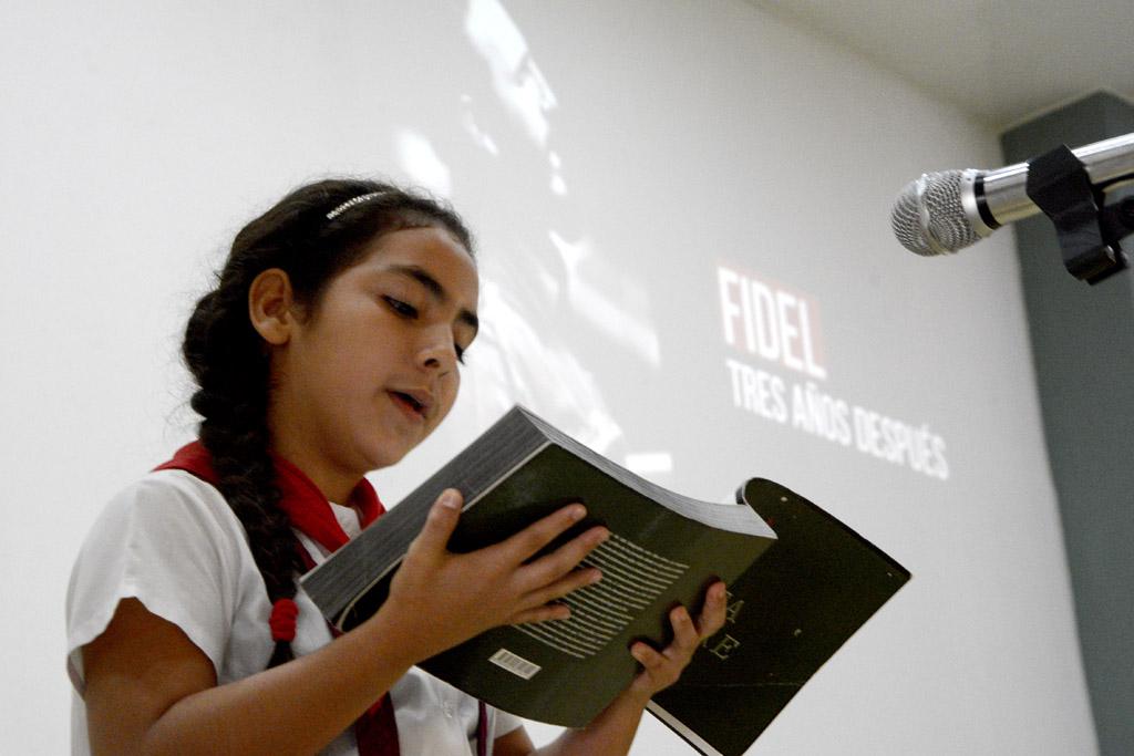 Gala artística en homenaje a Fidel Castro, en el tercer aniversario de su desaparición física. UHo FOTO/Luis Ernesto Ruiz Martínez.