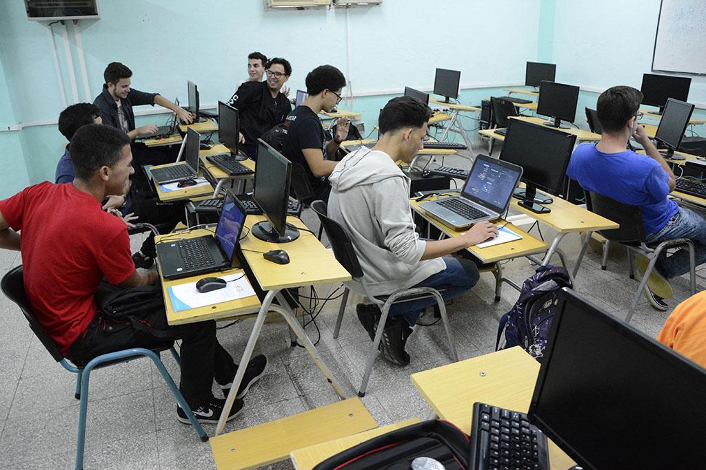 Participación de estudiantes y profesores en una competencia de videojuegos. UHo FOTO/Luis Ernesto Ruiz Martínez.