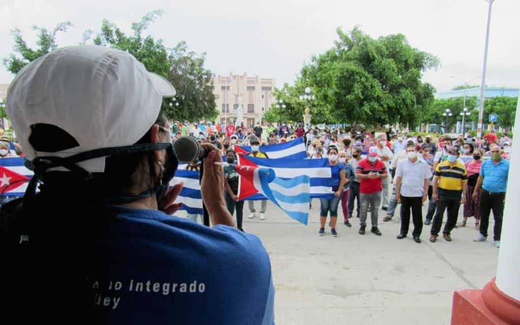 Holguineros levantaron sus voces y con actos de apoyo a la Revolución cubana